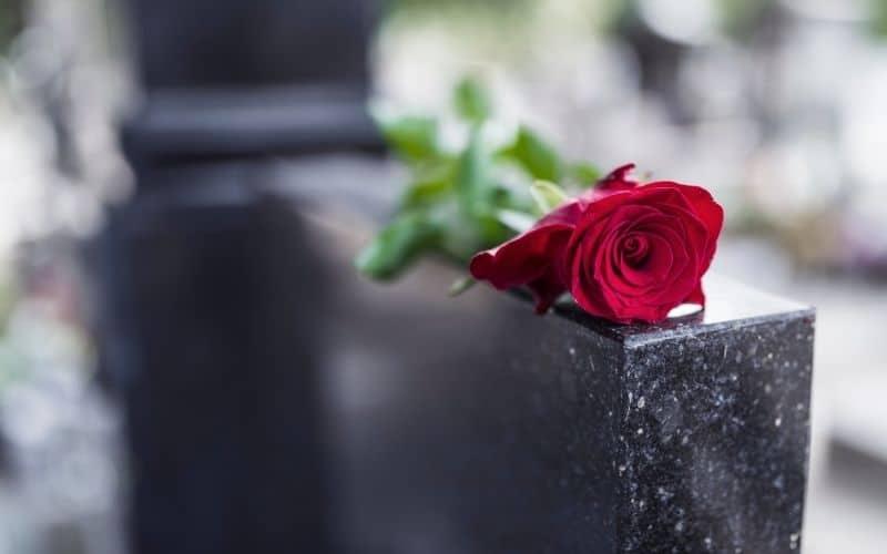 Nagrobki Poznań – krótki przewodnik pogrzebowy